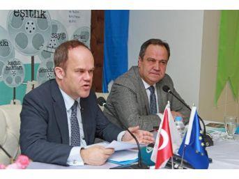 Ab Büyükelçilik Müsteşarı Poupeau: 2016 Insan Hakları Ihlallerinin Çok Yaygınlaştığı Bir Yıl Oldu