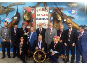 Ak Partili Meclis Üyeleri Balıkçı Kenan Deniz Canlıları Müzesi'ni Gezdi