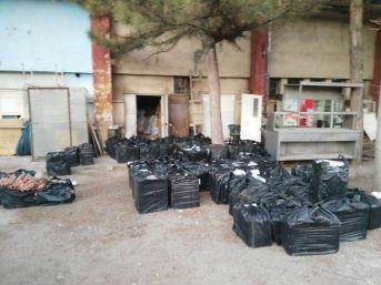 Ev Eşyalarının Arasına 58 Bin Paket Kaçak Sigara Gizlediler