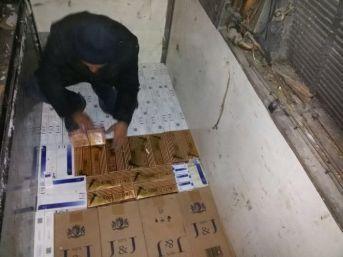 Tır Dorsesine Zulalanmış 53 Bin Paket Kaçak Sigara Yakalandı