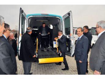 Akşehir Belediyesi'nden Engelliler İçin 'engelsiz Taksi' Hizmeti