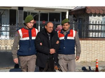 Cezaevine Oğlunu Ziyarete Geldi, Kendisi De Tutuklandı