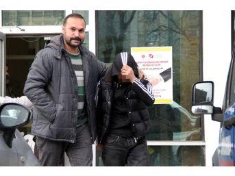 Düğün Salonunda 2 Kişiyi Bıçaklayan Genç Tutuklandı