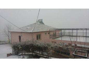Gümeli'de Kar Kalınlığı 50 Santimetreye Ulaştı