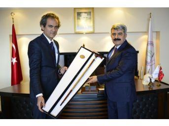 Koü Rektöründen Prof. Dr. Mahmut Özer'e Ziyaret