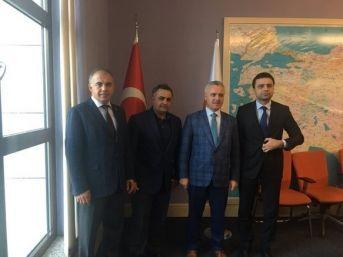 Ak Parti İzmir'de Üç İlçenin Başkanı Belli Oldu