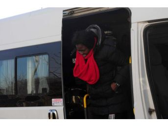 Ayvacık'ta Yunanistan'a Geçmek Isteyen 63 Kaçak Yakalandı