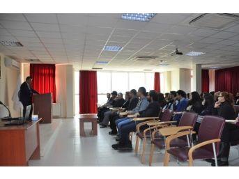 Genel Sekreter Aksoy, Siyasal Bilgiler Fakültesinde Sunum Yaptı
