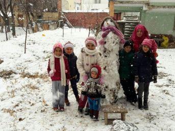 Gürün'de Kar Kalınlığı 30 Santimetreye Ulaştı