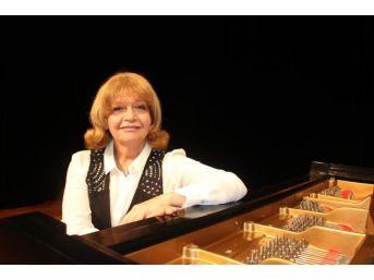 İdil Biret'in 25'inci Yıl Konserini Adana Valiliği Iptal Etti