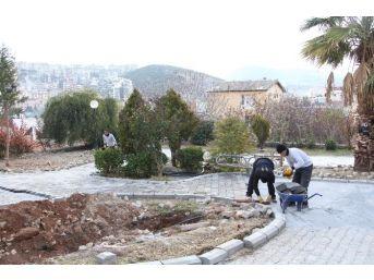 Kuşadası'nda Parklar Yenileniyor