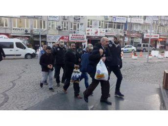 Bursa'da Gözaltına Alınan 4 Hdp'li Adliyeye Sevk Edildi