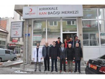 Kırıkkale Valisi Haktankaçmaz Kan Verdi