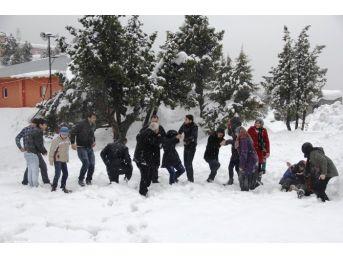 Kızıldağ Yaylası'nda Kar Keyfi
