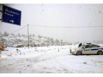 Antalya'da Kar Nedeniyle Yollar Kapandı (5)