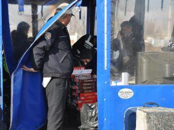 Yolcu Otobüsünde 600 Paket Kaçak Sigara Bulundu