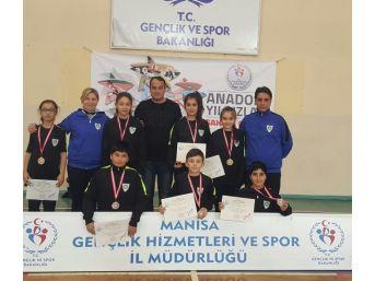 Manisa'nın Badminton Takımı Turnuvaya Damga Vurdu