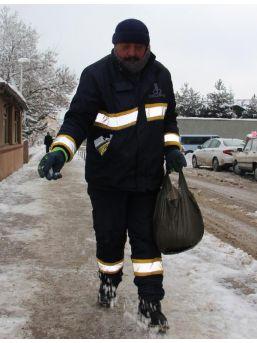 Sivas'ta 509 Köy Yolu Kardan Ulaşıma Kapalı