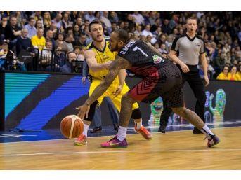 Fıba Şampiyonlar Ligi: Ewe Baskets:106 - Muratbey Uşak:77