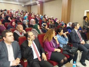 """Edremit'te """"islam'da Kadın Ve Ailede Din Eğitimi"""" Konferansı"""