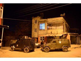 Adana'da Deaş Ve Tkp Operasyonu: 15 Gözaltı