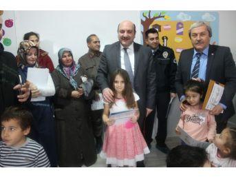 Osmaneli'de Minik Öğrencilerin Karne Sevinci
