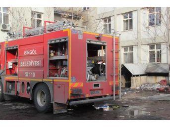Bingöl Devlet Hastanesi Ek Binasında 'duman' Tahliyesi