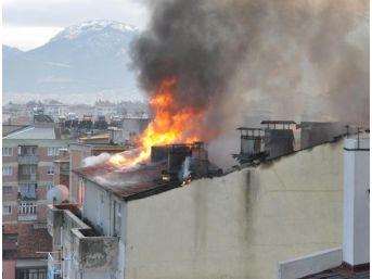 Diyanet Lojmanında Korkutan Yangın