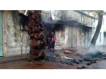 Tarihi Hamamın Yanında Korkutan Yangın