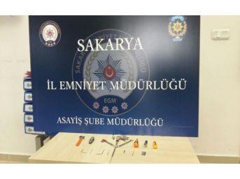 Sakarya'da 4 Ayrı İş Yerini Soyan Hırsızlar Yakalandı