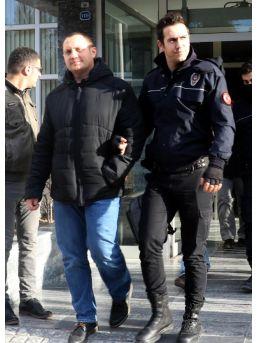 Fetö'den Gözaltına Alınan 3 Akademisyenler Adliyede