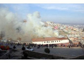 Şanlıunfa'da Okulda Korkutan Yangın