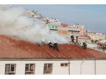 Şanlıurfa'da Okul Yangını