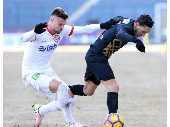 Antalyaspor Son 10 Haftada 25 Puan Topladı