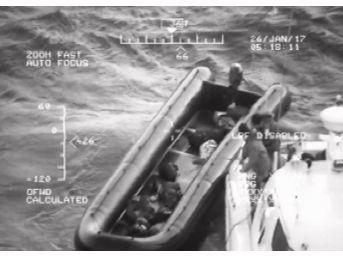 Ayvalık'ta 20 Kaçak Göçmen Yakalandı