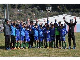 Suriyeli Çocuklar İzmir Cup'ta