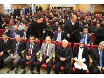 Bakan Kılıç, İzmit'te Edebiyat Kampı'na Katıldı