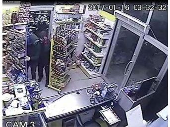 Marketi Soyanlar Güvenlik Kamerasında
