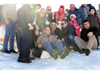 Başkan Sözlü, Karda Lastikle Kaydı