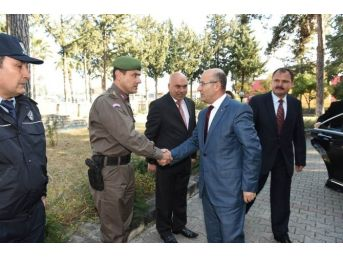 Vali Demirtaş'tan Karaisalı Kaymakamlığı'na Ziyaret