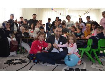 Bitlis İhh'dan 'yetim Karne' Şenliği