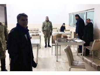 Bitlis'te Yolda Kalan 52 Vatandaşı Askerler Kurtardı