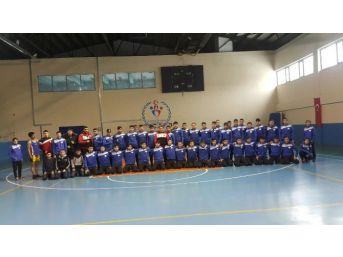 """Tatvan'da Ki """"bölge Sporcuları Gelişim Kampı"""" Sona Erdi"""