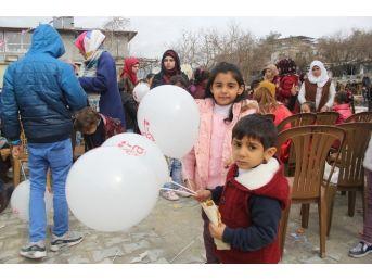 Yetim Türkmen Çocuklar Eğlendi