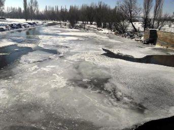 Soğuk Hava Zamantı Irmağını Dondurdu