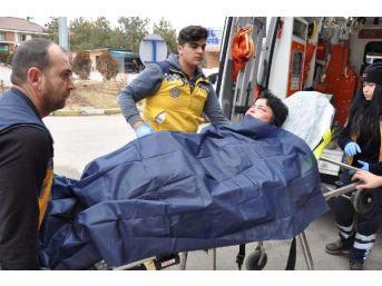 Gasp Ettikleri Kadını Öldüresiye Dövüp Sokağa Attılar