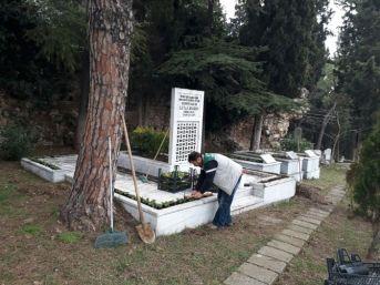Leyla Atakan'ın Kabrine Bakım Yapıldı