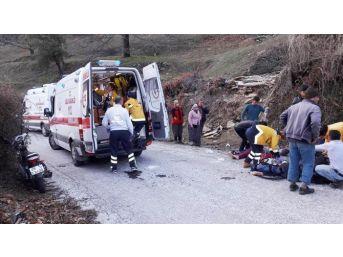 Milas'ta İki Motosiklet Kafa Kafaya Çarpıştı: 2 Yaralı