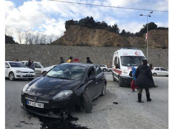 Alkollü Sürücü Refüje Çıktı: 2 Yaralı