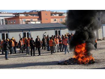 Adana Adliye Sarayı İnşaatında Çalışan İşçiler Eylemde